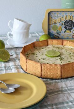 postre_de_limon Cold Desserts, Lemon Desserts, Mexican Food Recipes, Sweet Recipes, German Apple Cake, Donuts, Deli Food, Mini Cheesecakes, Cheat Meal