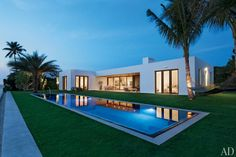 Mix and Chic: Home tour- Kelly Klein's minimalist Palm Beach paradise!