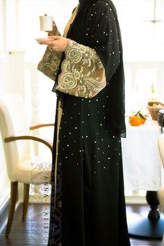 Lulu Lace Abaya | ANNAH HARIRI | ANNAH HARIRI