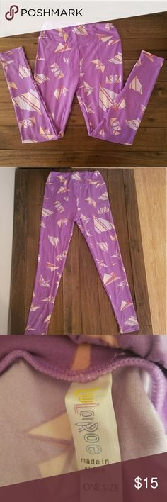 LuLaRoe leggings Super soft leggings feature adorable origami pattern. In excellent condition, only worn once. One size. LuLaRoe Pants Leggings