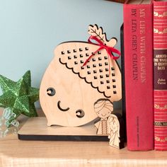 Acorn Wood Bookend Modern Baby Nursery por graphicspaceswood