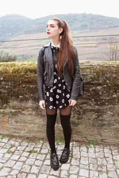 http://holy-nights.blogspot.pt/ floral dress and leather jacket