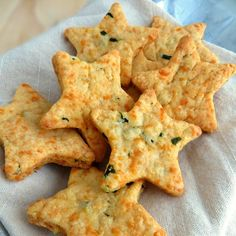 Cheddar Basil Bites Parmesan Cheddar Basil Bites are a delicious appetizer perfect for any event or party!Parmesan Cheddar Basil Bites are a delicious appetizer perfect for any event or party! Yummy Appetizers, Appetizers For Party, Appetizer Recipes, Snack Recipes, Cooking Recipes, Vegetable Appetizers, Cheese Appetizers, Party Snacks, Cheese Straws