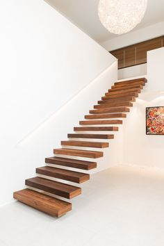 Yay or nay: zwevende trap Staircase Ideas Nay Trap Yay zwevende New Staircase, Floating Staircase, Staircase Ideas, Basement Staircase, Small Space Staircase, Home Stairs Design, Interior Stairs, Modern Stairs Design, House Design