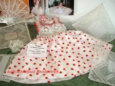 Lola Rodriguez Manzanares  Encajera ..... Vestido de mi nieta , encaje hecho con hilo de algodón del numero 20 de Fincrochet y tela de pique abanico y pañuelo de mi nieta Lucia hecho con hilo de algodon del numero 80 de Fincrochet .... LRM