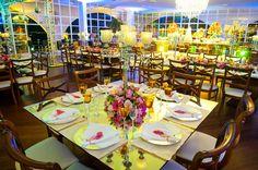 Detalhe da mesa de convidados | Decoração colorida | Decor | Decoração floral | Flowers | Wedding | Casamento | Inesquecivel Casamento
