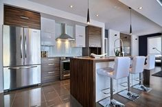 Modern and contemporary kitchen with stainless appliances and gorgeous sleek design New Kitchen Designs, Interior Design Kitchen, Kitchen Dinning, Home Decor Kitchen, Cabin Kitchens, Contemporary Kitchen Design, Kitchen Collection, Kitchen Remodel, Stainless Appliances