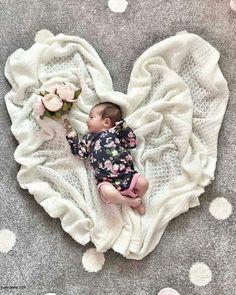 Newborn baby photography -Sleeping newborns seem adorable. If you believe that... - #adorable #baby #believe #newborn #newborns #photography #sleeping