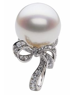 Dior pearl & diamond ring