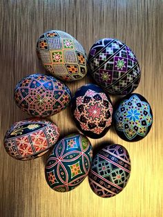 Lori Niles Hofmann's lovely display of her Pysanky. She has fallen in love with PysankyUSA Colorama Dye # 39 Marigold.