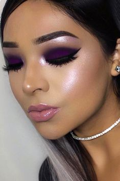 Spring Makeup Trends 2018 You Need To Know ★ See more: https://makeupjournal.com/spring-makeup-trends/
