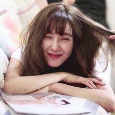 Image discovered by Lightphanie ২. Find images and videos about snsd, girls generation and Sunny on We Heart It - the app to get lost in what you love. Girls' Generation Tiffany, Girl's Generation, Snsd Tiffany, Tiffany Hwang, Korean Girl Band, Korean Girl Groups, Prity Girl, Rosacea, Seohyun