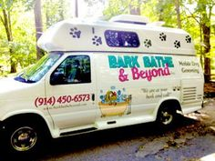 From dog grooming to vintage accessories, many entrepreneurs are taking their businesses on the road. Mobile Pet Grooming, Dog Grooming Tools, Poodle Grooming, Dog Grooming Business, Grooming Salon, Pet Taxi, Black Lab Puppies, Corgi Puppies, Mobile Business