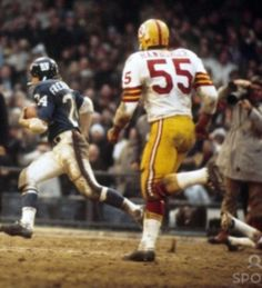 New York Giants Football, Sport Football, Baseball, Nfl Redskins, Tough Guy, Running Back, Home Team, Sports Photos, Old School