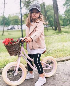 Daddys Little Girls, Daddys Girl, Cute Kids Fashion, Baby Girl Fashion, Baby Outfits, Cute Outfits, Korean Babies, T Baby, Cute Baby Pictures