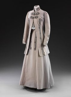 1908-1910, England - Jacket by Frederick Bosworth - Wool, silver thread, silk braid, lined with silk
