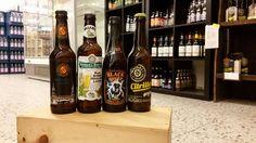 Neue Woche neue Bierprobe! Diesmal haben wir was besonderes für euch. Wir haben uns in die Welt der Craftbiere gewagt. Mit dabei waren das Hoppy Schoppy Pilsner, das Samuel Smith Pure Organic Lager, das Föroya Bjór Black Sheep und das Maisel & Friends Citrilla. Wie immer viel Spass beim Lesen ;)  BIER NUMMER 1  Name: Hoppy Schoppy Pilsner Biersorte: Craftbier Alkoholgehalt: 5,2% Bei uns erhältlich als: 0,33L Flasche Auf dem Bild zu sehen: Ganz Links  (...)