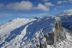 Skigebiet Waidringer Steinplatte im Winter... Mountains, Winter, Nature, Travel, Stone Panels, Stones, Traveling, Winter Time, Naturaleza
