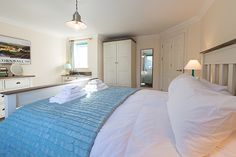 Brinyloft is a luxury self catering holiday apartment at Compass Point Apartments in Carbis Bay, Cornwall from Carbis Bay Holidays.