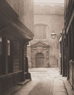 nobilior:  Great Saint Helen's, Bishopgate, City of London, 1886, photographed by Henry Dixon.