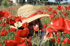 That was a paradise full of poppies by Isabel Pavía, via Flickr