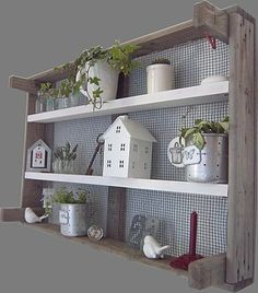- Basket And Crate Bright Decor, Diy Déco, Diy Furniture, Eclectic Decor Inspiration, Diy Decor, Wooden Pallet Projects, Home Projects, Eclectic Home, Home Deco
