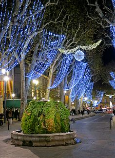 Christmas in Aix-en-Provence. What beautiful lights!