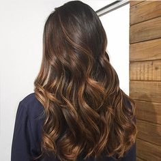Brunette Balayage by the talented Who else loves? Brown Blonde Hair, Hair Color For Black Hair, Brunette Hair, Dark Hair, Balayage Brunette Long, Hair Color Balayage, Ombre Hair, Short Hair Wigs, Short Hair Styles