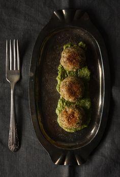christelle is flabbergasting : blog de recettes de cuisine, bonnes adresses à Montréal: Boulettes de lentilles et pesto citronné