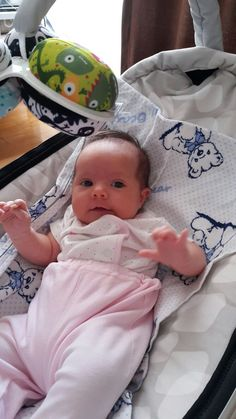Newborn Baby Photos, Baby Girl Newborn, Baby E, Baby Kids, Baby Grill, One Month Baby, Cute Baby Pictures, Baby Fever, Kids And Parenting