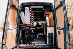 MTB-Vanlife – What's behind the hype? Mercedes Sprinter, Sprinter Camper, Benz Sprinter, Mercedes Benz, Bike Storage In Van, Trek Mtb, Freeride Mtb, Hardtail Mtb, Mtb Frames