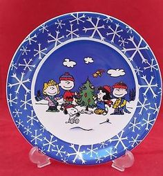 "PEANUTS SNOOPY AND FRIENDS CHRISTMAS TREE 8"" PLAT ¾"" DEEP FOR COOKIES & SNEAKS"