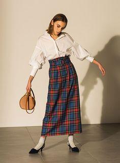 Mila Owen 2018 AUTUMN WINTER 1ST COLLECTION Pre Order no.08 Frock Fashion, Fashion 2017, Fashion Pants, 90s Fashion, Hijab Fashion, Retro Fashion, Fashion Outfits, Fashion Trends, Korean Girl Fashion