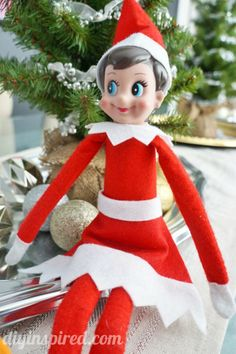 No Sew Elf on the Shelf Skirt, a quick, easy, and inexpensive Christmas craft idea Elf On The Self, The Elf, Winter Christmas, Christmas Holidays, Xmas, Crochet Christmas, Holiday Crafts, Holiday Fun, Holiday Ideas