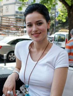 Turkish Actress, Fahriye Evcen