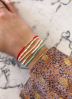I wanted showing you how to make a bracelet with natural stone and leather thread with video. Diy Jewelry, Beaded Jewelry, Jewelry Design, Jewelry Making, Beaded Bracelets, Embroidery Bracelets, Jewellery, Crafts To Make And Sell, Easy Diy Crafts