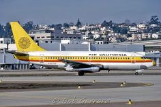 N463GB Air California Boeing 737-293 (cn 19308/40) Seen in a later version of the Air Cal livery. Taken in San Diego January 1979
