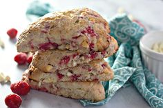 Moist, flaky, and bursting with flavour - these RASPBERRY WHITE CHOCOLATE SCONES are perfect breakfast or brunch! Best served with loved ones and plenty of coffee. #scones #breakfast #brunch White Chocolate Raspberry Scones, Strawberry Scones, Blueberry Scones Recipe, Perfect Breakfast, Brunch, Favorite Recipes, Cookies, Coffee, Desserts