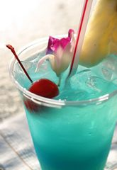 Drinks: Blue Hawaii