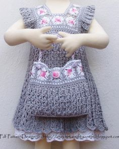 GREY GRANNY SQUARE BAG by SOPHIE AND ME | Crocheting Pattern