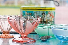 Vintage ice cream sundae dishes and Sunset Ices , in a behind-the-scenes feature on the BBC Homes and Antiques website. Ice Cream Man, Ice Cream Pops, Ice Cream Party, Vintage Dishes, Vintage Kitchen, Granny Chic Decor, Ice Cream Dishes, Sundae Bar, Vintage Ice Cream