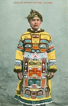 Chilkat Native dancer, Alaska, between 1905 and 1915 Arte Haida, Haida Art, Native American Tribes, Native American History, Native Americans, American Symbols, American Indians, Cultures Du Monde, Inuit Art