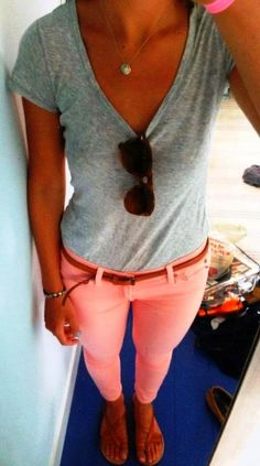 V-Neck Grey T-Shirt with Pink Jeans