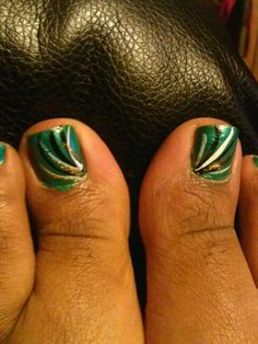 My first at-home pedicure with nail design