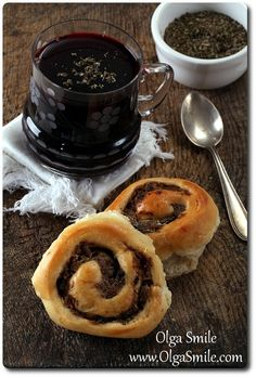 Paszteciki do barszczu Olgi Smile Pudding, Bread, Breakfast, Christmas Recipes, Food, Morning Coffee, Puddings, Breads, Baking