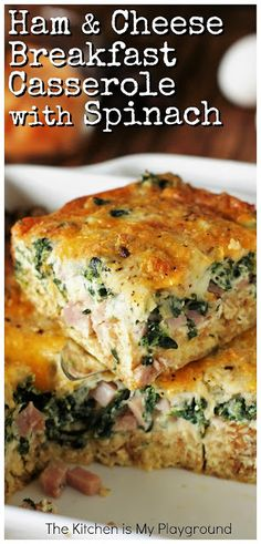 brunch ideen Ham & Cheese Breakfast Casserole with Spinach ~ Tasty layers of ham, cheese, & spinach with extra flavor punch from a surprise ingredient. A fabulous breakfast or brunch dish Breakfast And Brunch, Breakfast Casserole With Bread, Paleo Breakfast, Breakfast Spinach, Vegan Brunch Recipes, Easy Breakfast Casserole Recipes, Casserole Ideas, Brunch Casserole, Healthy Recipes