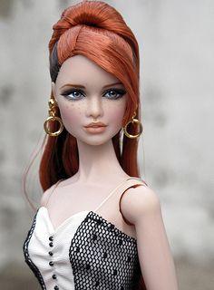 she looks like Arianna Grande or ariel Beautiful Barbie Dolls, Pretty Dolls, Cute Dolls, Chic Chic, Barbie Life, Barbie World, Fashion Royalty Dolls, Fashion Dolls, Realistic Barbie
