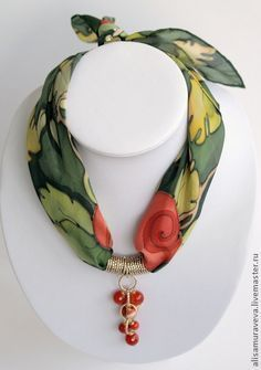 Diy necklace 863354191049060591 - Jewerly ideas old ideas Source by Scarf Necklace, Fabric Necklace, Scarf Jewelry, Textile Jewelry, Fabric Jewelry, Diy Necklace, Wire Jewelry, Jewelry Crafts, Beaded Jewelry