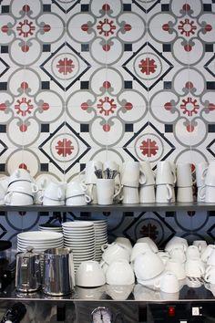 Moko Market & Café Sörnäinen Coffee Shop Bar, Coffee Cafe, Coffee Shops, Floor Patterns, Tile Patterns, Cafe Restaurant, Restaurant Design, Cafe Interior Design, Interior Decorating