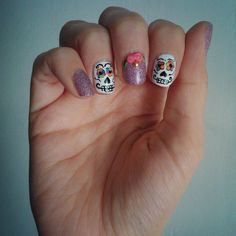 Sugarskull nails :)